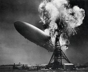 "<a title=""Sam Shere (1905–1982) / Public domain"" href=""//commons.wikimedia.org/wiki/File:Hindenburg_disaster.jpg""><img width=""512"" alt=""Hindenburg disaster"" src=""//upload.wikimedia.org/wikipedia/commons/thumb/1/1c/Hindenburg_disaster.jpg/512px-Hindenburg_disaster.jpg""></a>"